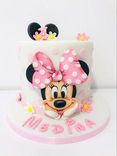 Minnie Mouse Cake Design, Mickey Mouse Cake, Panda Birthday Party, Minnie Mouse Birthday Cakes, Character Cakes, Disney Cakes, Pastry Cake, Cake Art, Cake Designs