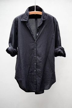 Versatile. Fashionable. Mess-proof. | Everlane Black Cotton Shirt.