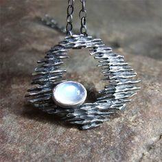 wisior z kamieniem księżycowym Biżuteria Wisiory Zofia Gładysz