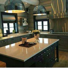 Fantastic kitchen designed by – Elin Fossland Kitchen Redo, Home Decor Kitchen, Cabin Homes, Log Homes, Cabin Kitchens, Traditional Kitchen, Sweet Home, House Design, Cottage