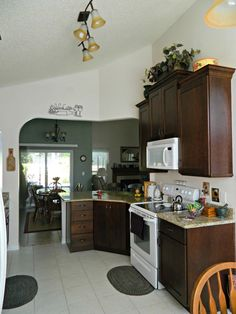 Kitchen cabinets, countersand appliances - Becker http://www.thekitchensofsk.com/becker.html