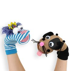 "Easy-to-make sock puppets / ""Easy to make puppet socks"" Sock Puppets, Hand Puppets, Diy For Kids, Crafts For Kids, Puppets For Kids, Puppet Patterns, Sock Crafts, Sock Toys, Puppet Show"
