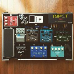 Absolutely loving @jamesachester  board, especially the @diamondpedals Tremolo…