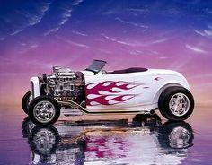 > > girls-n-cars < <