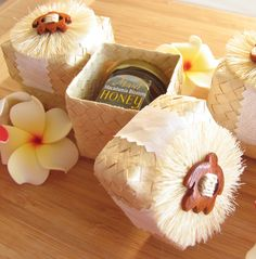Handmade Wood Honu Lauhala Box Wedding Favor (Set of Country Wedding Favors, Beach Wedding Favors, Wedding Favor Boxes, Unique Wedding Favors, Wedding Gifts, Hawaiian Wedding Themes, Hawaiian Wedding Flowers, Hand Fans For Wedding, Cheap Favors
