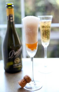 "Turn this ""Peach Bellini Jam"" into a dessert float made with Prosecco!"