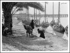 صورة من تراث لواء كربلاء قضاء الهندية سنة 1930 . . All sizes Iraq. Hindiyah Barrage. About 48 miles S.E. of Baghdad. Picturesque river boats elaborately painted - circa 1930's