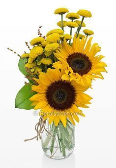 sunflower arrangements in mason jars | Fall Sunflowers and yellow mums in a mason jar. #arreglosflorales
