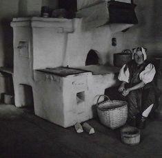 V zázrivskej kuchyni pri peci Folk Art, The Past, Painting, Life, Image, Travel, Africa, World, Viajes