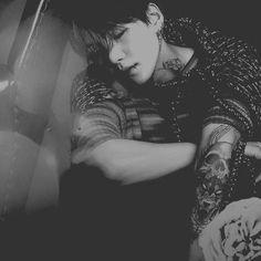 Min Yoongi Bts, Hoseok Bts, Min Suga, Bts Jimin, Estilo Bad Boy, Punk Edits, Bts Name, Bts Gifs, Bts Tattoos