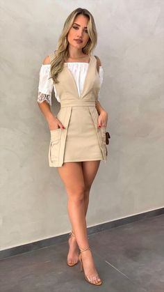 Puffed Sleeve Buttoned Casual Romper - Puffed Sleeve Buttoned Casual Romper Source by yolandegyleslev - Look Fashion, Skirt Fashion, Hijab Fashion, Fashion Dresses, Womens Fashion, Fashion Design, Stylish Outfits, Cute Outfits, Overall