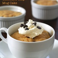 Peanut Butter Chocolate Chip Mug Cakes