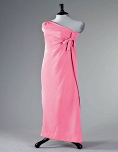 Givenchy Haute Couture silk crêpe sheath FW 1966-67.