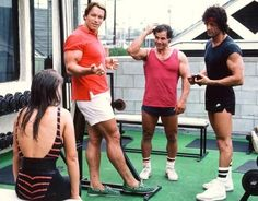 Arnold Schwarzenegger and Sylvester Stallone - workout session in Venice Beach. 1980's : OldSchoolCool