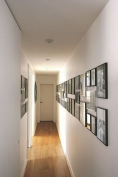 12 decorative ideas for styling a long narrow or dark corridor - New Deko Sites Hallway Pictures, Paris Apartments, Corridor, Home Staging, Sweet Home, Gallery Wall, New Homes, Interior Design, Room