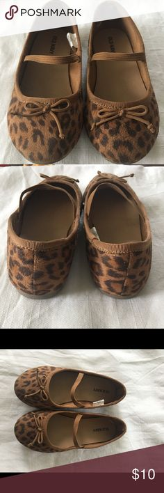Old Navy Leopard flats. Leopard flats, toddler size 10. Good condition. Old Navy Shoes Dress Shoes