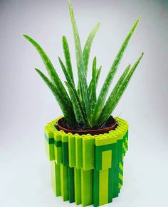 For the fans of #lego make your #flower #pot dressing out of your old collection of Lego #bricks from @recyclideas #diy #reuse #upcycle #upcycled #recycle #recycled #recycling
