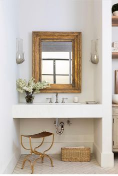 Home Decor Styles .Home Decor Styles Bathroom Interior Design, Home Interior, Decor Interior Design, Interior Decorating, Interior Modern, Interior Paint, Home Decor Styles, Home Decor Accessories, Cheap Home Decor