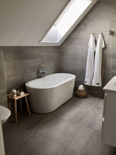 Bathroom Vanity Base, Bathroom Spa, Bathroom Interior, Bathroom Design Small, Bathroom Layout, Bad Inspiration, Bathroom Inspiration, Clever Kitchen Ideas, Home Design Plans