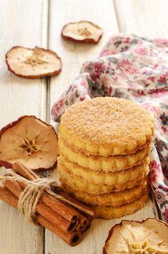 Receita de Biscoito de Maçã Diet. Um dos prazeres da vida é um chá quentinho com biscoitos. Tudo de bom!!