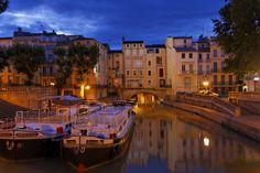 Narbonne, le Canal de la Robine et le Pont des Marchands www.audetourisme.com