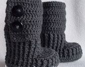 Crochet baby booties for newborn,0-3M or 3-6M with buttons,choose your size and colour
