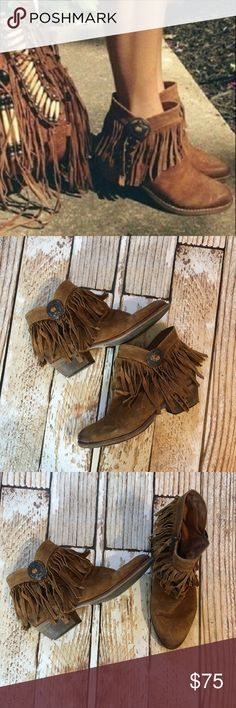 Sam Edelman Sidney suede leather fringe booties Sam Edelman Sidney suede leather fringe southwestern style booties size 10. Slightly distressed and only worn like 3 times. I sadly wear an 11 and am over stuffing my feet into 10s because there's not an 11 😬. The only real sign of any wear is at the base of the heel as seen. Sam Edelman Shoes Ankle Boots & Booties