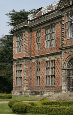 Amazing brick and stone on this classic mansion. England. Classical Britain