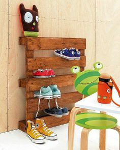 Pallet shoe organizer for the mud room. Add decorative spindles (from a busted table?) to the bottom for extra stability.
