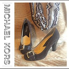 Michael Kors Brown Suede Pumps 6.5 Super decadent and rich chocolate brown suede pumps by Michael Kors. Textured patent leather buckle at toe with gold hardware for extra flare. Wood stacked heel and cushioned insole. In excellent (worn twice) condition. Size 6.5 M MICHAEL Michael Kors Shoes Heels