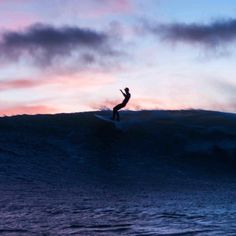 Surfing holidays is a surfing vlog with instructional surf videos, fails and big waves Surfing Photos, Surf Style, Surf Girls, Surfs Up, Island Life, Beach Bum, Surfboard, Adventure Travel, Scenery
