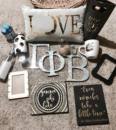 THIS IS SO CUTE LOVE THE BLACK AND GOLD THEME
