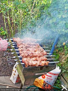 Shish kebab like in the Caucasus-Schaschlik wie im Kaukasus grillen Shish kebab like in the Caucasus More - Summer Grilling Recipes, Grilling Tips, Barbecue Recipes, Summer Recipes, Shish Kebab, Kebabs, Skewers, Homemade Smoker, Homemade Burgers