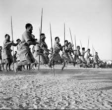 Members of the Maori Battalion performing a Haka for the King of Greece at Helwan, Egypt in June Hawaiian Tribal Tattoos, Samoan Tribal, Filipino Tribal, Peru, Polynesian People, Maori People, Rare Historical Photos, Maori Designs, Nordic Tattoo