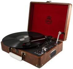 GPO Attache Record Player Retro Briefcase Vinyl Turntable with Built-in Speakers - Sky Blue Best Vinyl Record Player, Suitcase Record Player, Retro Record Player, Portable Record Player, Record Players, Old Records, Vinyl Records, Retro Gifts, Stylus