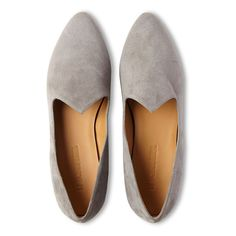 Le Monde Beryl's Grey Suede Venetian Slippers are handcrafted in Italy. Each pair is made with the finest lambskin and a memory foam leather insole. Calf Leather, Suede Leather, Venetian, Calves, Slippers, Loafers, Pairs, Flats, Luxury