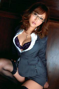 glasses-girl:  美咲あかり