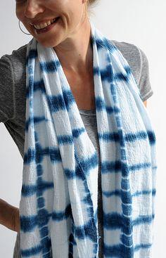 shibori indigo dyed scarf DIY @salbd333 we should try this!!