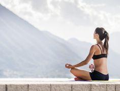 5 pozitii de yoga pentru o digestie mai buna. Fii in forma!