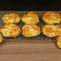 Greek Desserts, Greek Recipes, Food Hacks, Pineapple, Recipies, Muffin, Bread, Snacks, Cookies