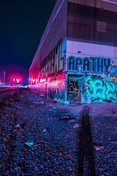 kavinsky - night call & some neon lights I don't know how to live in this world without you. Night Aesthetic, Purple Aesthetic, Urban Photography, Street Photography, Laser Tag, Neon Noir, Street Art Graffiti, Urban Art, Aesthetic Pictures