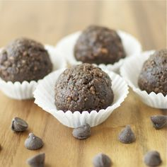 hot fudge brownie balls with chocolate chips