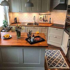 Huge Kitchen, Kitchen On A Budget, Home Decor Kitchen, Kitchen Dining, Boho Kitchen, Small House Kitchen Ideas, Kitchen Hacks, 10x10 Kitchen, Small Cottage Kitchen