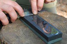 How to sharpen a bushcraft knife as a pro