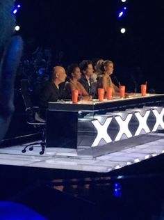 | LOUIS TOMLINSON FIRST NIGHT AS GUEST JUDGE ON AMERICAS GOT TALENT! | http://www.boybands.co.uk