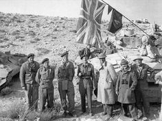 A British crew of a Royal Tank Regiment Matilda tank mingle with South Africans from the Armored Car Regiment at El Duda, during the relief of Tobruk. But the link-up would prove short. When the battle of Sidi Rezegh erupted nearby on 27 November (IWM North African Campaign, British Armed Forces, Afrika Korps, Military Pictures, Army Vehicles, Ww2 Tanks, Military Diorama, British Army, Military History