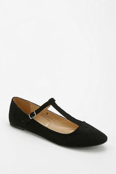 Urban Outfitters - http://m.urbanoutfitters.com/mobile/catalog/productdetail.jsp?id=28894236&category=SALE_W_SHOES