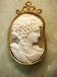 Antique Cameo Brooch.-- the setting was made to fit the piece of shell used for the carving