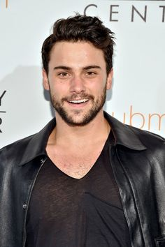 'How To Get Away With Murder' Spoilers: Jack Falahee Reveals Trouble For Connor And Oliver? #news #fashion