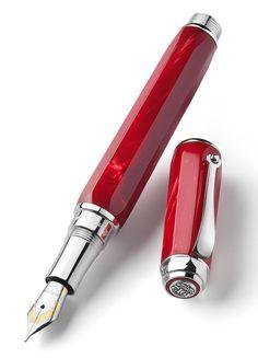 Penna Stilografica MONTEGRAPPA EMBLEMA. Spazio alla scrittura.